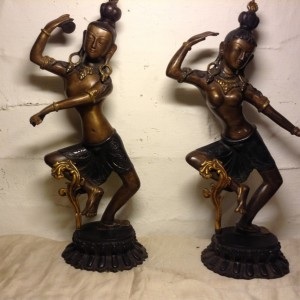 Antique Bronze Figure of Hindu Gods Shiva And Parvathi For Sale In Kerala India Asia