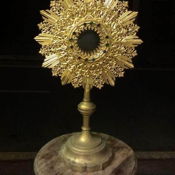 BUY VERY FINE QUALITY ANTIQUE MONSTRANCE FROM INDIA KERALA