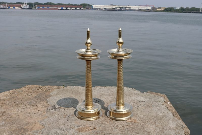 kerala oil lamp bronze nilavilakku